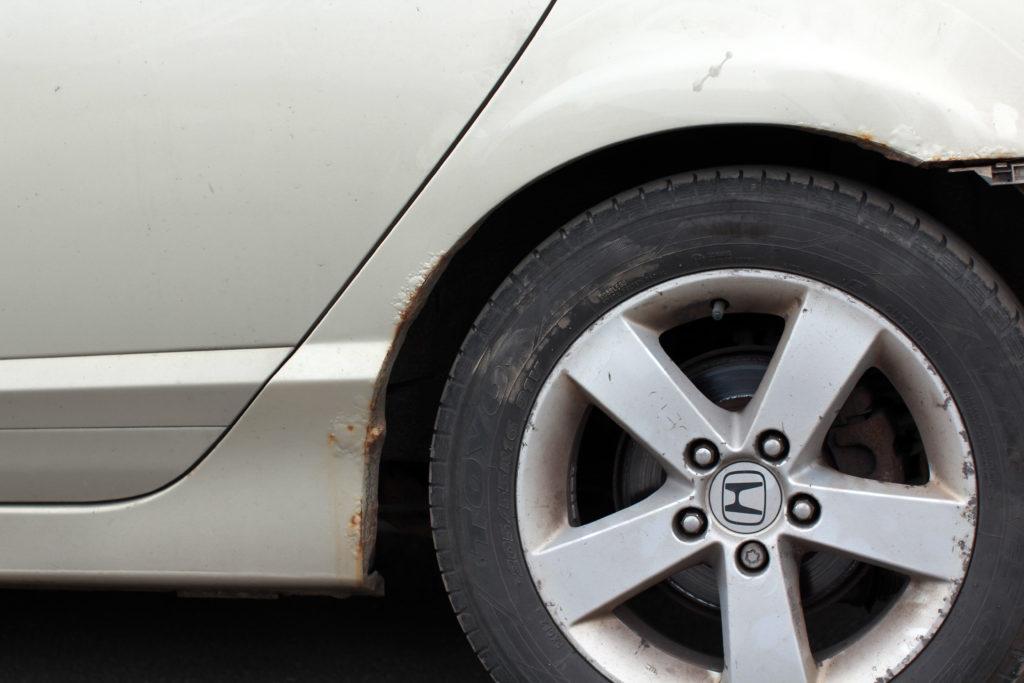 Внешняя арка Honda Civic 4d, подвергнувшаяся, на первый взгляд, незначительной коррозии